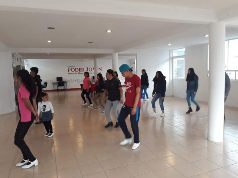 ¡Únete a la Clases de Danza Folklórika en el Centro Poder Joven!