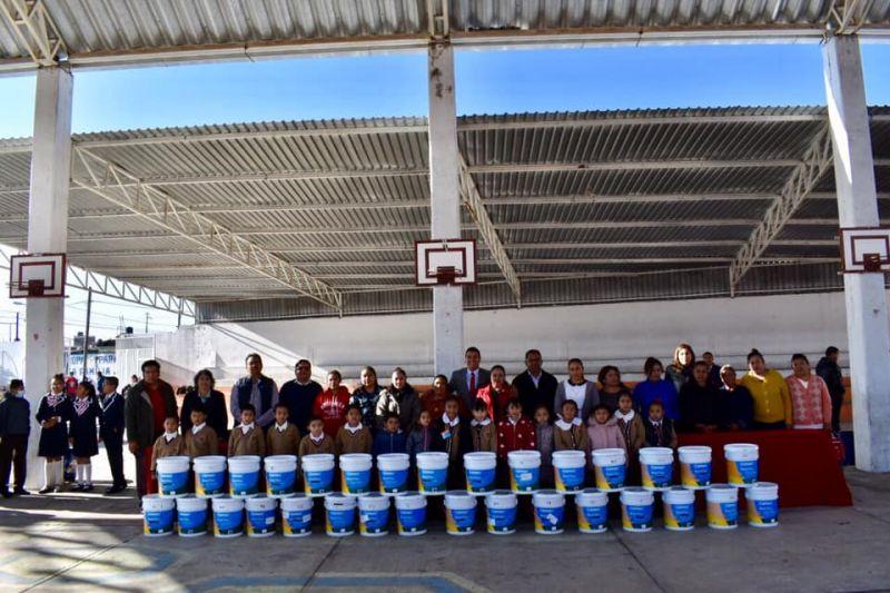 Primaria Emiliano Zapata Beneficiada con Pintura